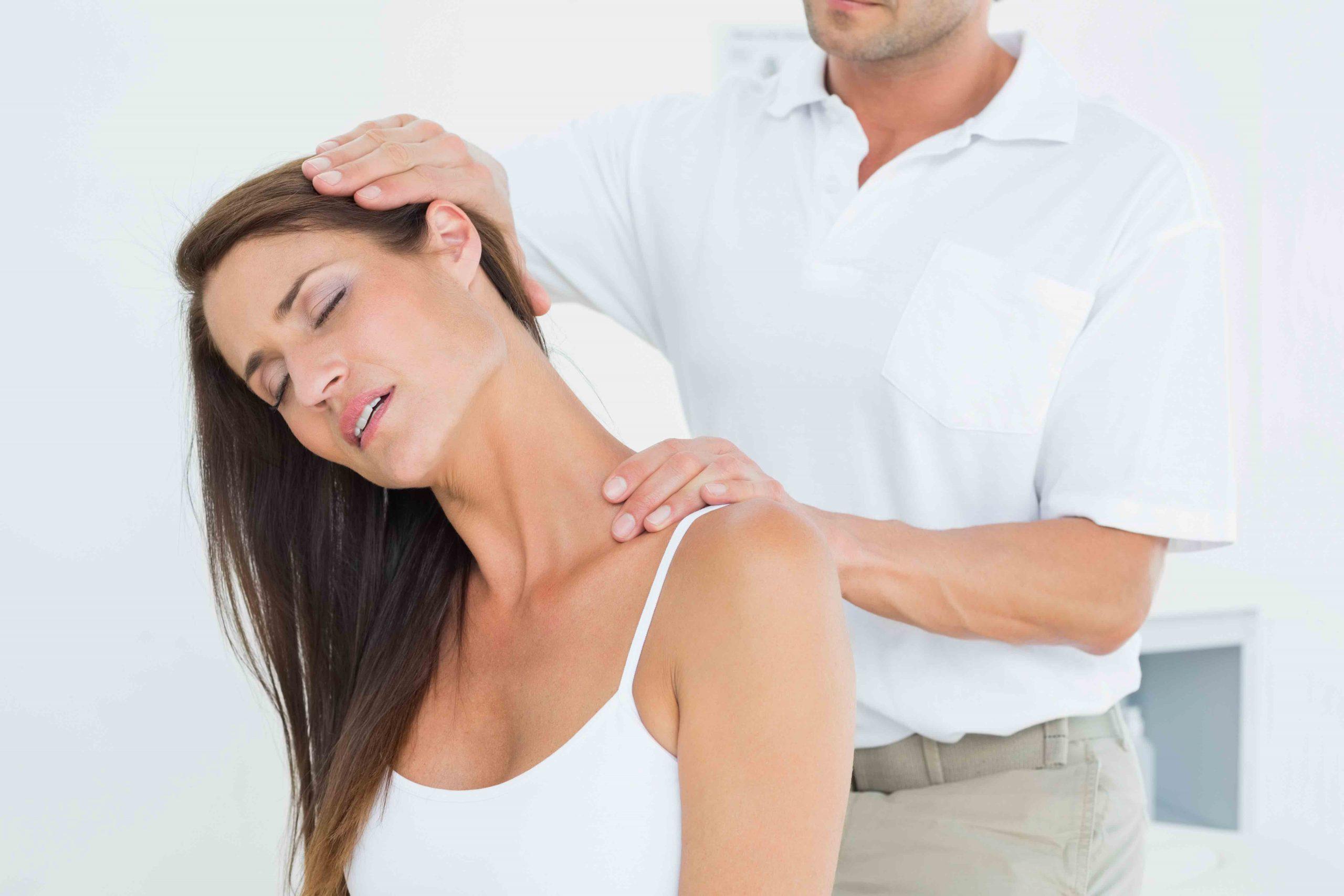 Image of chiropractor at Bellara Chiropractic