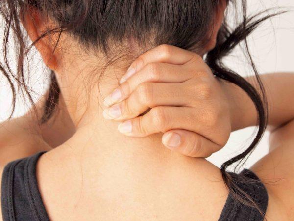 Image of Bellara Chiropractic patient with neck pain